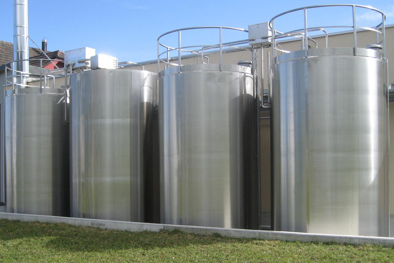 Lagerbehälter für Milch und Schotte klein